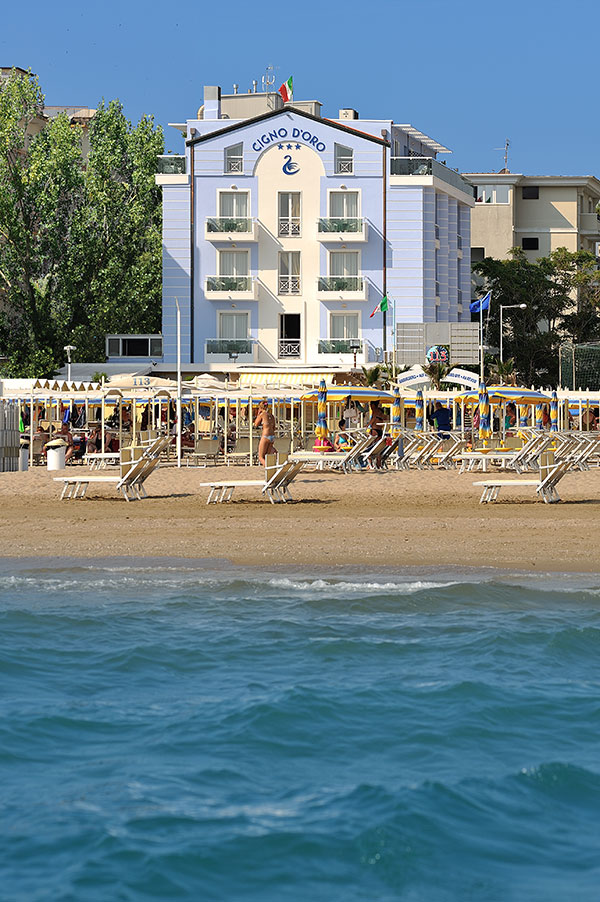 Eastern Summer 2018 in Riccione hotel 3stars, vacations by real ...